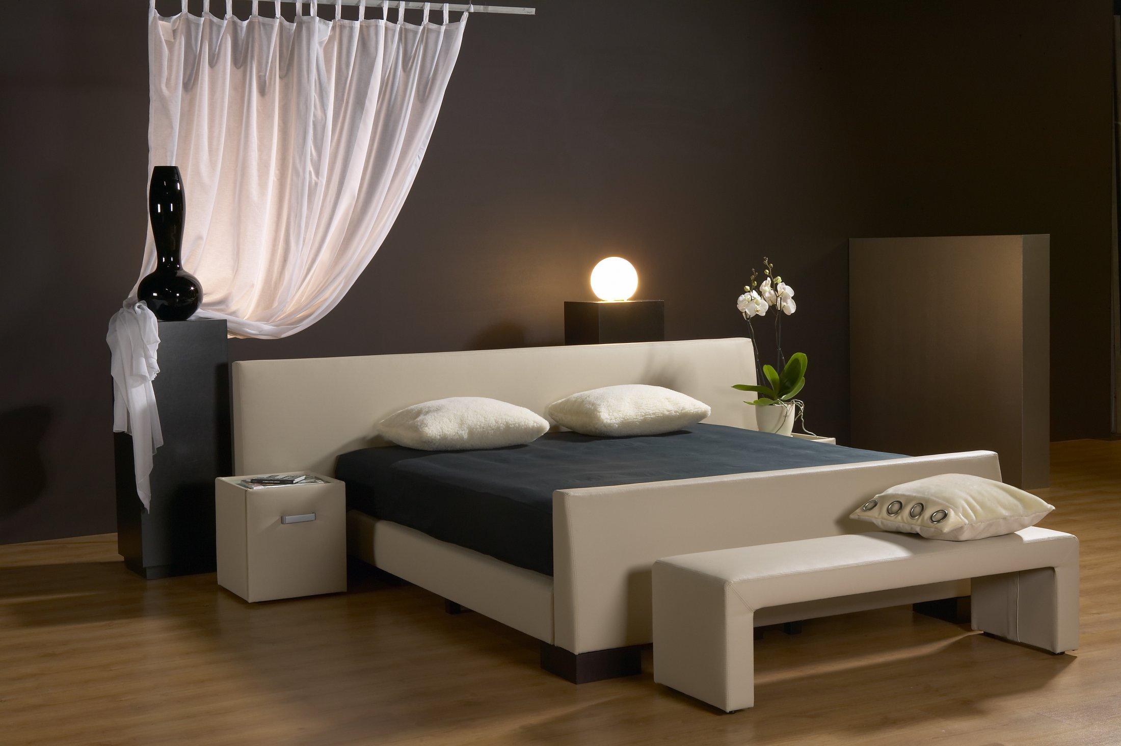 boxspring velda trendy velda boxspring versus with boxspring velda fabulous boxspring velda. Black Bedroom Furniture Sets. Home Design Ideas